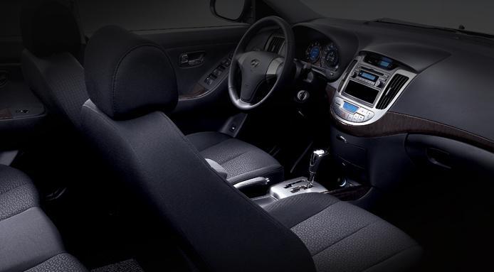 Hyundai Elantra Híbrido (eléctrico-GLP) Avante24