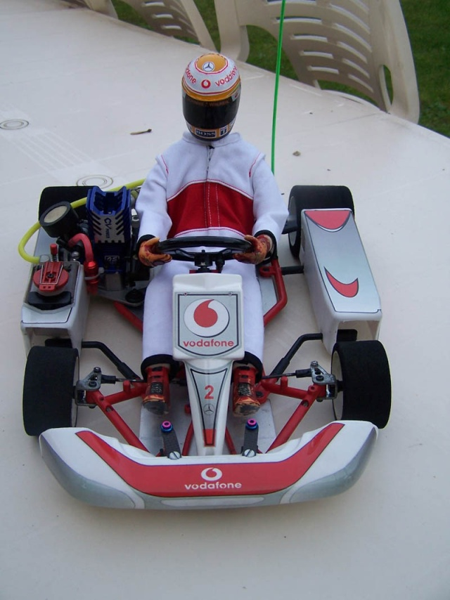Nouvel achat fort sympathique kart kyosho Combi210