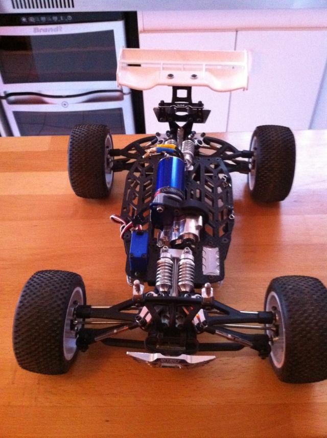 E-revo Cedleonr Photo/video modifs du 7/06 Chassis Carbon - Page 11 Img_1012