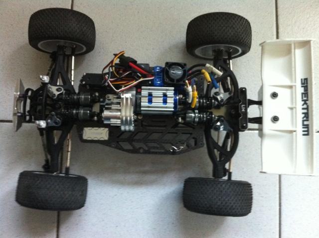 E-revo Cedleonr Photo/video modifs du 7/06 Chassis Carbon - Page 13 Img_1215