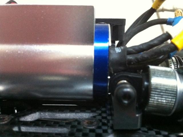 E-revo Cedleonr Photo/video modifs du 7/06 Chassis Carbon - Page 13 Img_1217