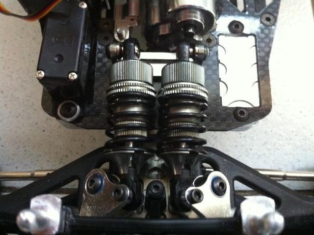 E-revo Cedleonr Photo/video modifs du 7/06 Chassis Carbon - Page 13 Img_1218