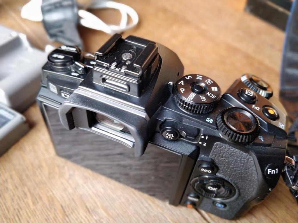 [ A vendre ] : OM-D EM-1  et/ou HLD-7 Img_2014