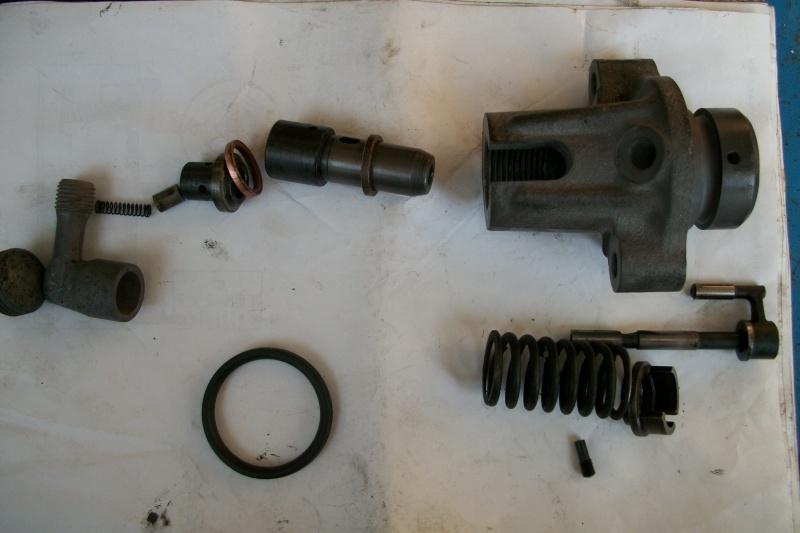 moteur F2L612  fuel passe dans l'huile moteur 100_2135