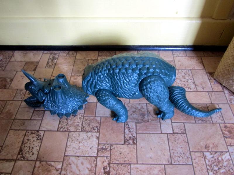 Quand les dinosaures dominaient le monde Tri_110