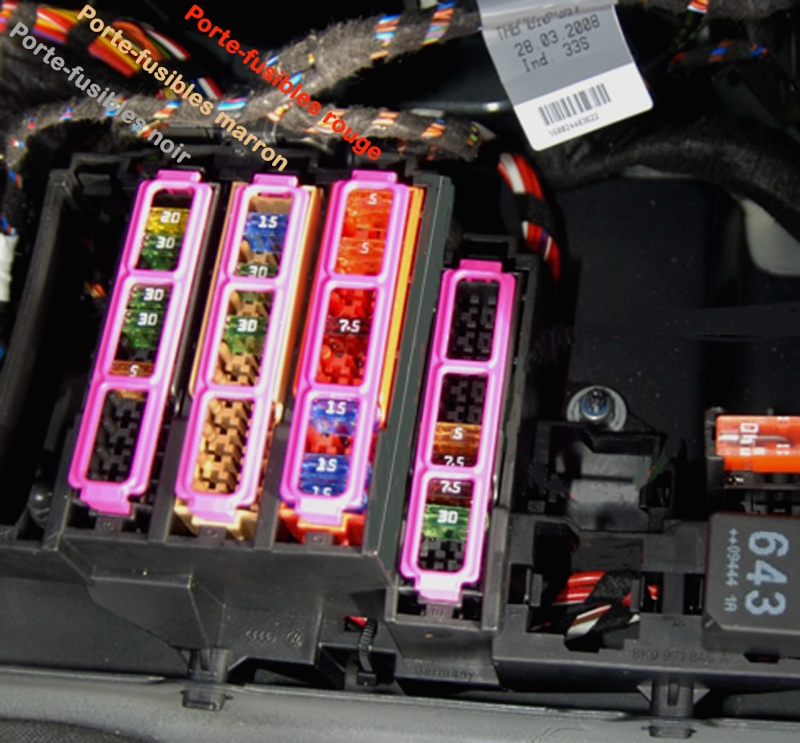 Branchements électriques dans le coffre. Fusibl11