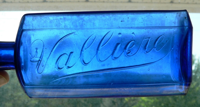 Bouteille de pharmacie 'Vallière' bleu cobalt! Vallie11