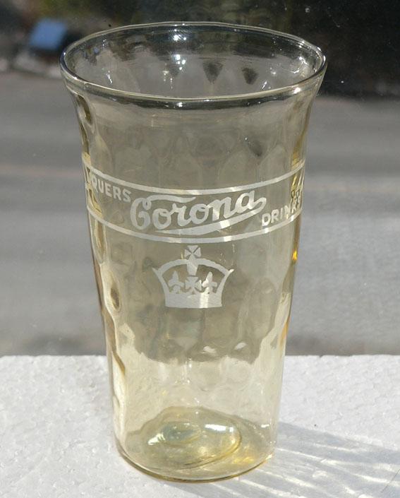 Verre 'Liqueurs Corona Drinks' de Verdun, Québec Verre-10