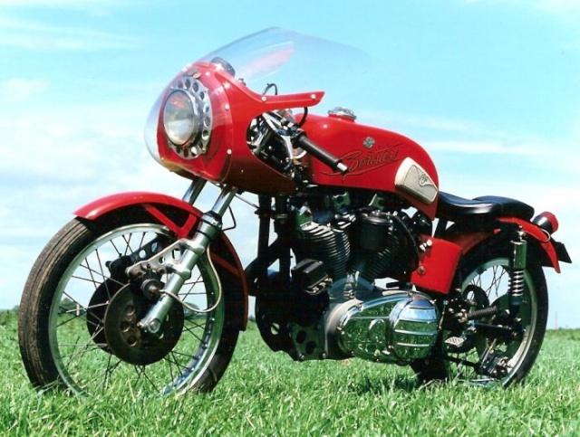 SPORTY CAFE RACER: CA LUI VA SI BIEN! LES PHOTOS... - Page 2 Harley12