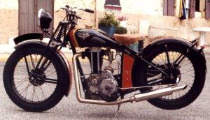 Moto française,L'age d'or 1914 - 1940 Dax10
