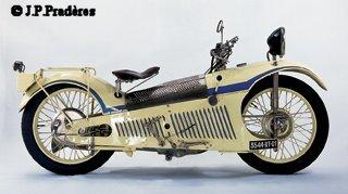 Moto française,L'age d'or 1914 - 1940 Majest10