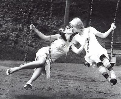 Vos plus belles photos de couples lesbiens - Page 2 22321310