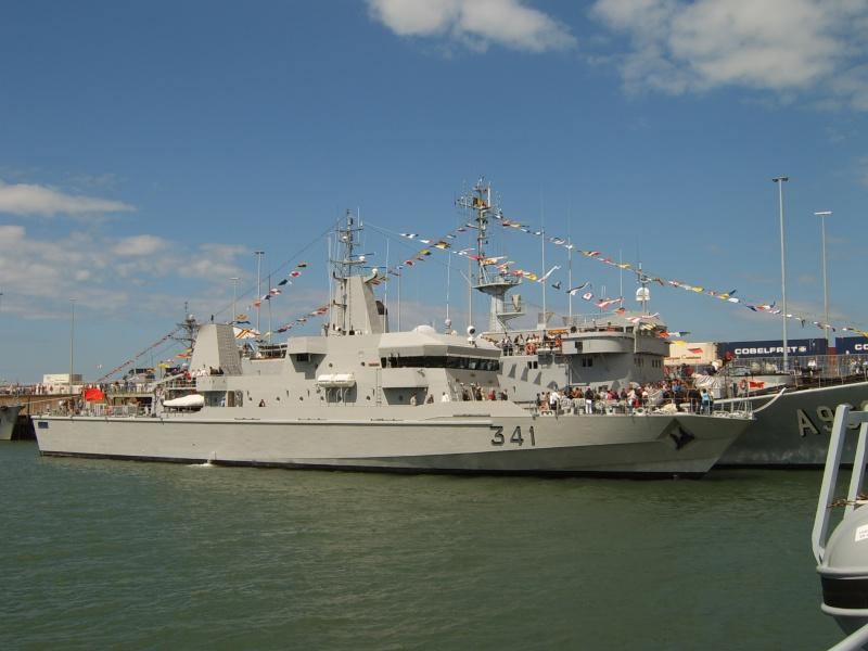 Portes ouvertes 2011 - Navy Days Zeebrugge 2011   - Page 33 2011-028