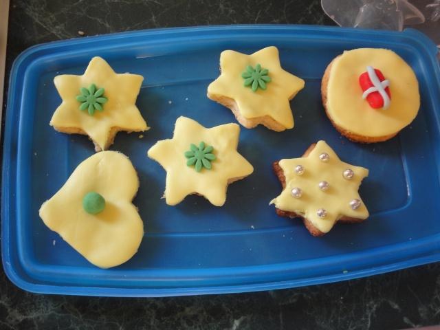 Décembre 2011 : biscuits décorés Dsc04912
