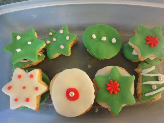 Décembre 2011 : biscuits décorés Dsc04914