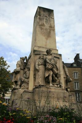[Histoires et Histoire] Monuments aux morts originaux Français Tome 1 - Page 2 L_inva10