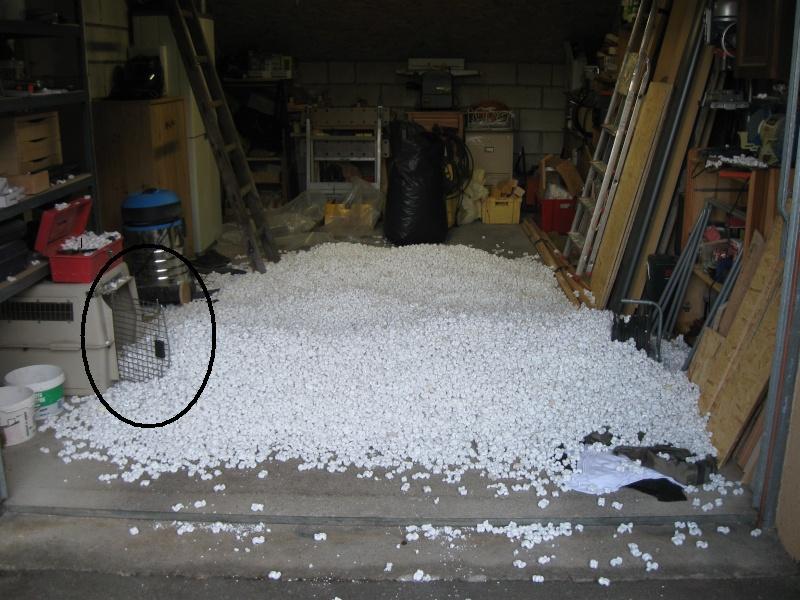 Enfin un peu d'espace .... à aménager! Garage10