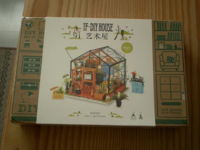 Modell-Gewächshaus von DIY HOUSE Sany1168