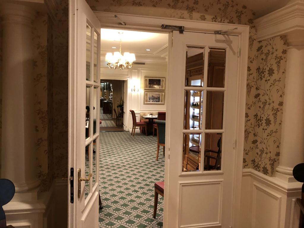 Disneyland Hotel - Rénovation - Page 6 Img_8825