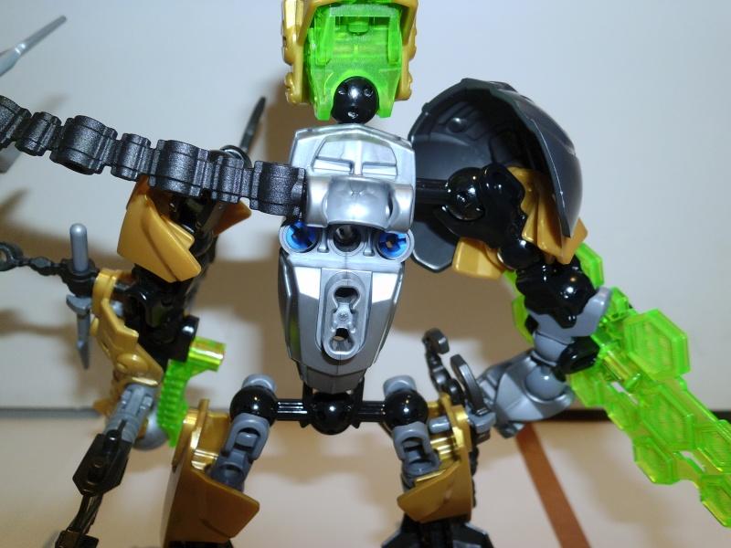 [Figurines] Hero Factory 2012 : Les nouvelles images - Page 15 P1000126