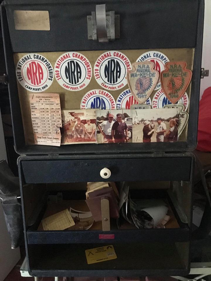 A vintage gun box seen on Facebook Army_b11