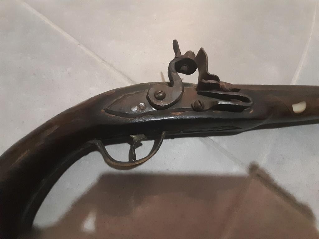 Pistolet ancien 20200216