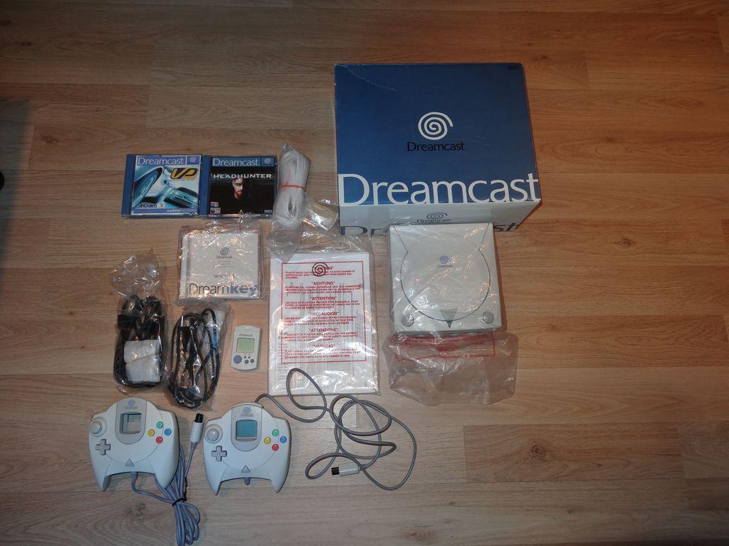 [VDS]Dreamcast complète en boite avec jeux et accessoires Dsc05910