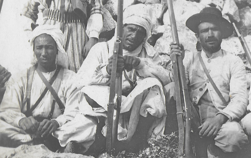 Un groupe franc au Maroc vers 1910-1911 Groupe11