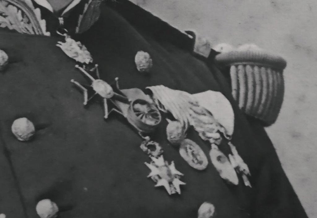 Un général en photographie par Nadar mais qui est ce ?? Img_2242