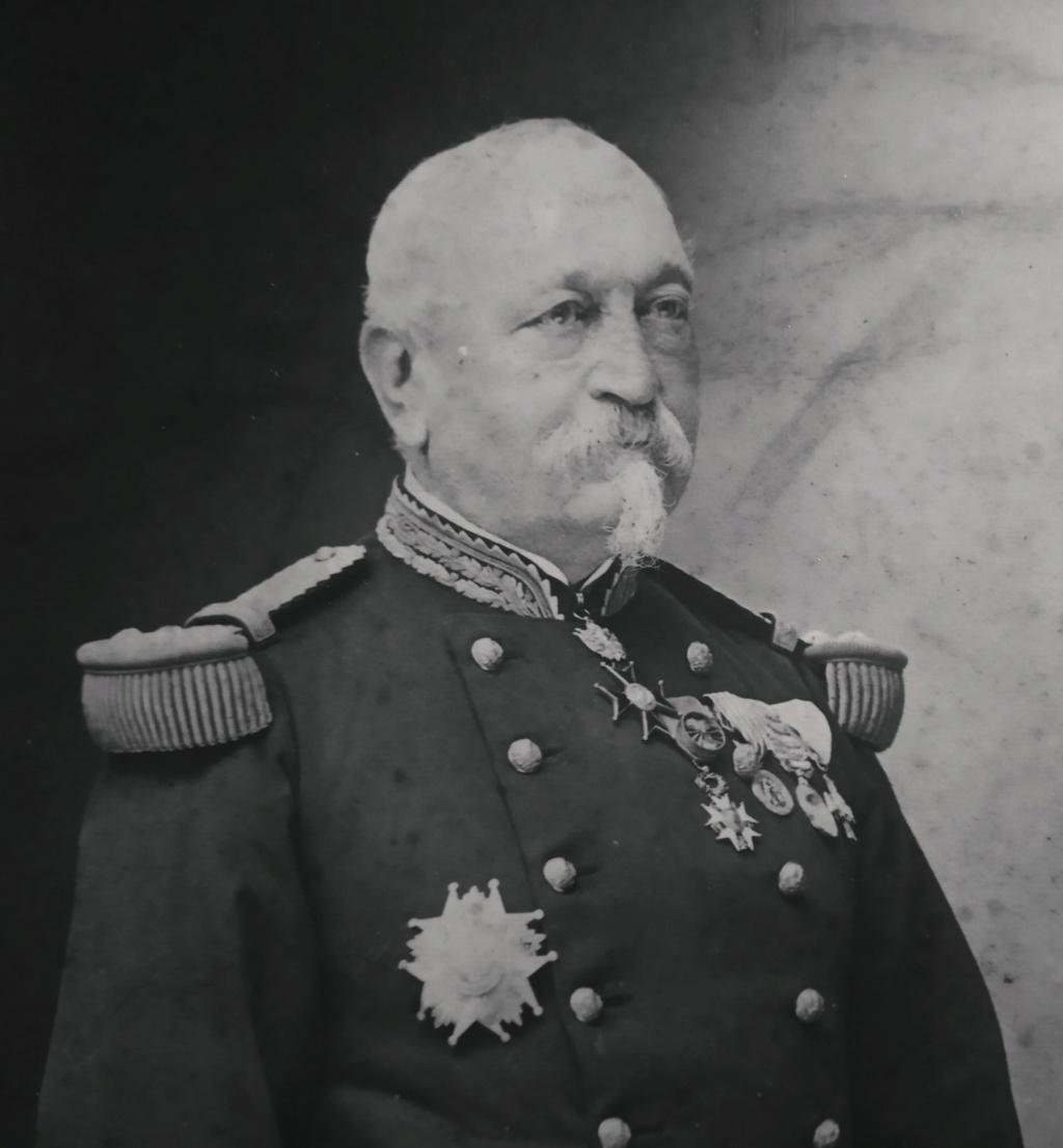 Un général en photographie par Nadar mais qui est ce ?? Img_2243