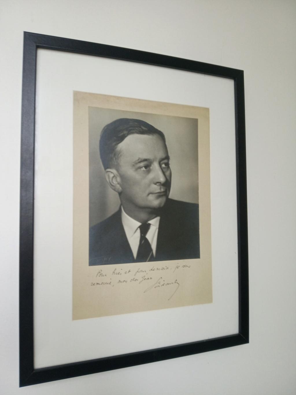 Deux portraits dédicacés de Georges Bidault, président du CNR  Img_2254
