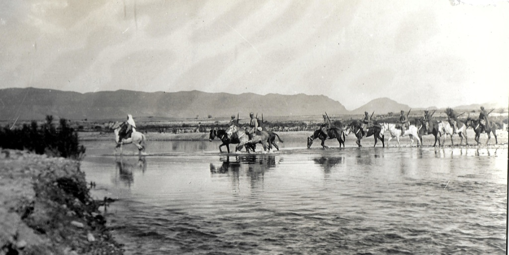 Un groupe franc au Maroc vers 1910-1911 Maroc_19