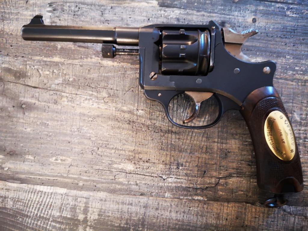 revolver 1892 un peu différent 1892_210