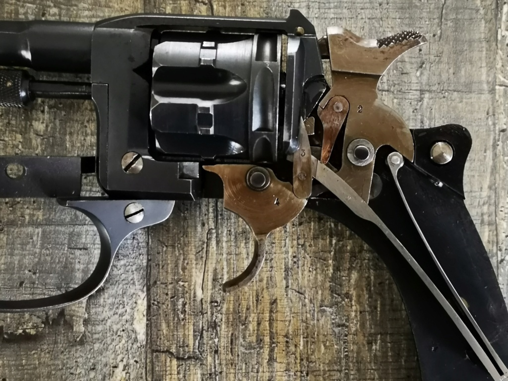 revolver 1892 un peu différent 1892_411