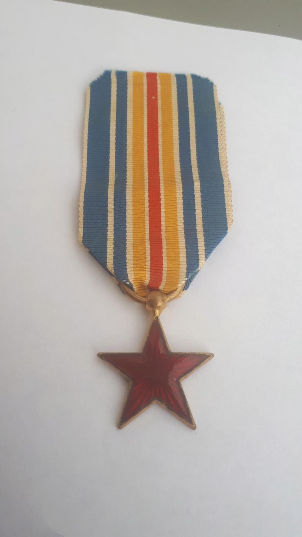 une belle medaille des blessés  20181242