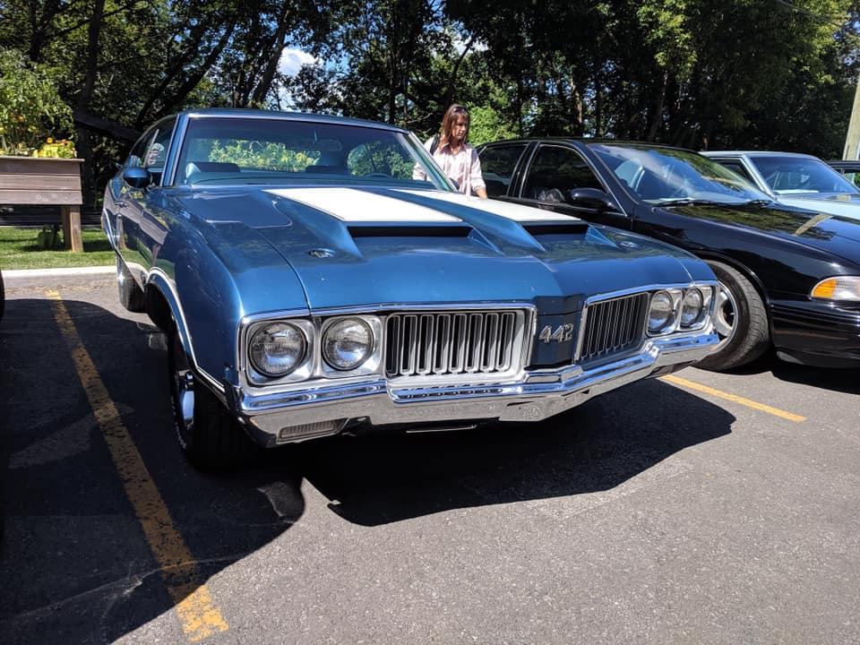 exposition de voiture antique pour une bonne cause  69176810