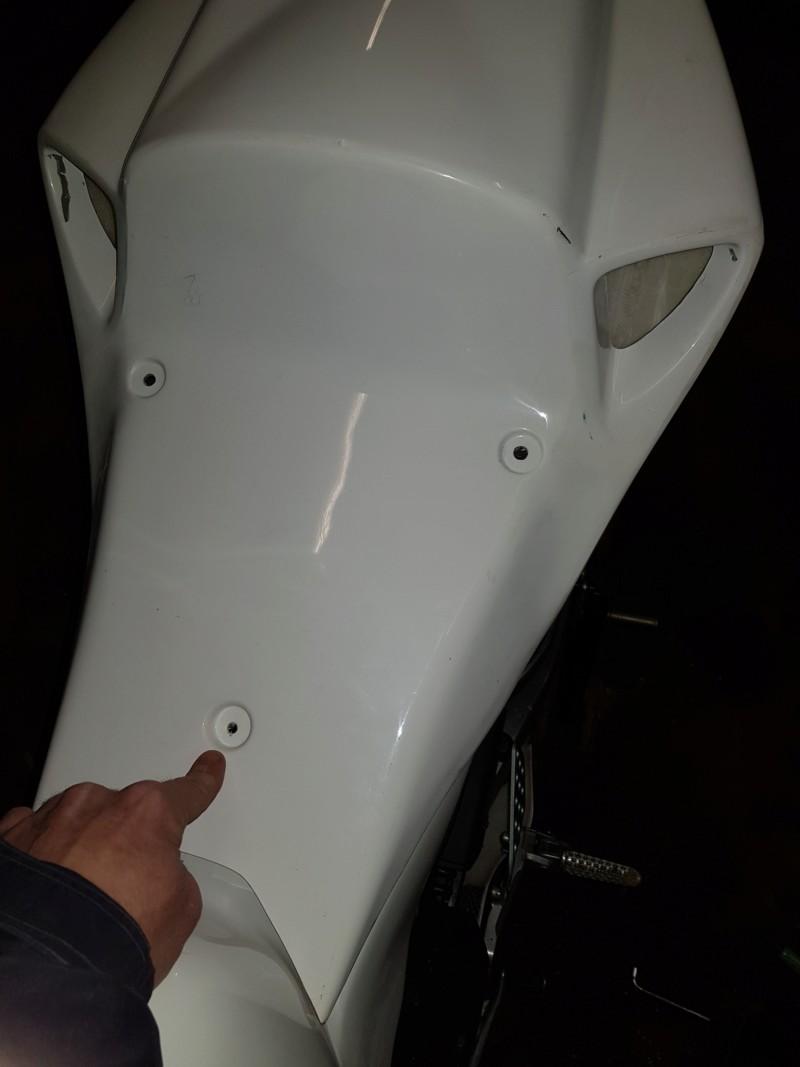 Vase d expansion me gêne pour le montage du poly : CBR1000RR SC57 - Page 2 20190334