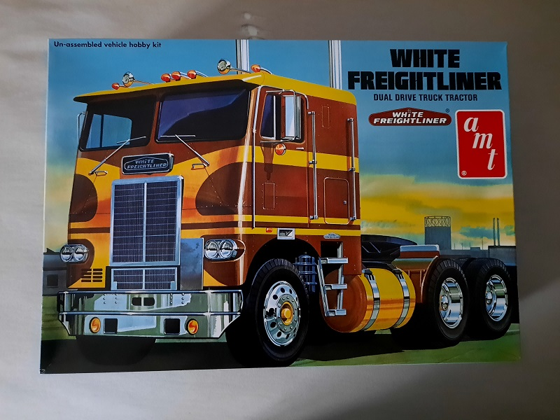 AMT Freightliner Coe 1:25 0127