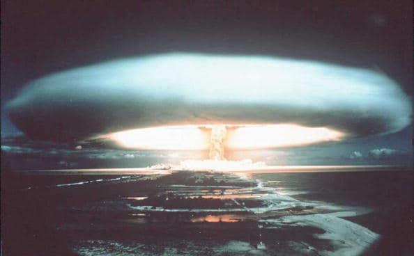 Un passo dalla terza guerra mondiale ? Bomba-10