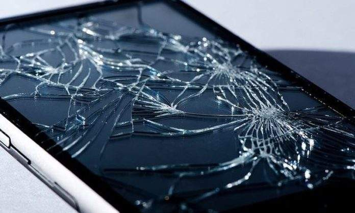 7 načina kako zaštiti ekran pametnog telefona od lomova Razbij10