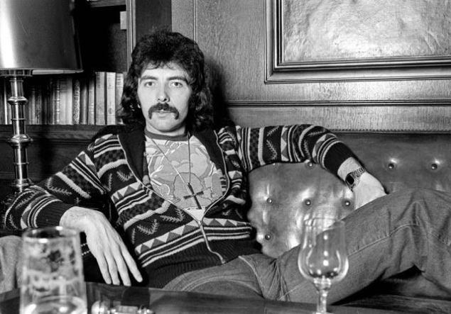Black Sabbath: Tony Martin (p. 12) - Página 6 11889410