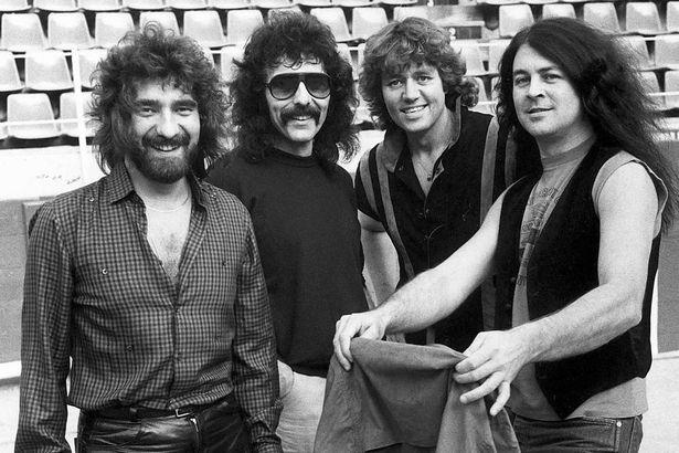 Black Sabbath: Tony Martin (p. 12) 1983_s10