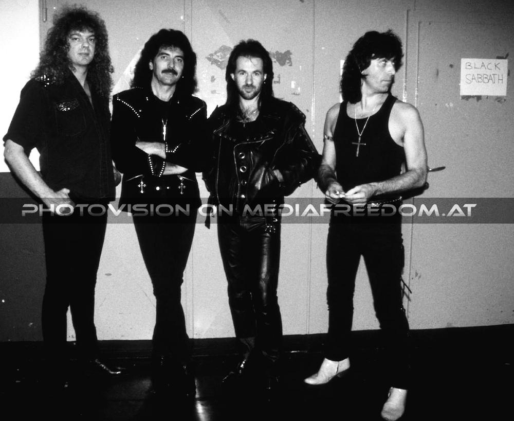 Black Sabbath: 13, 2013 (p. 19) - Página 12 2-neil11