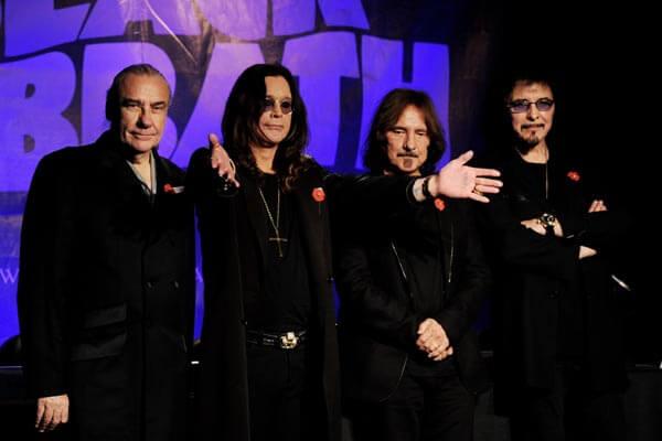 Black Sabbath: 13, 2013 (p. 19) - Página 12 2011_110