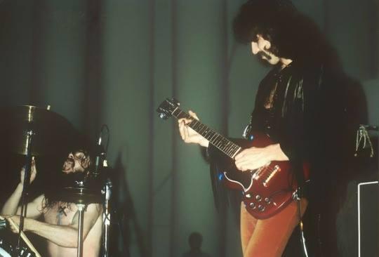 Black Sabbath: Tony Martin (p. 12) - Página 6 36063410