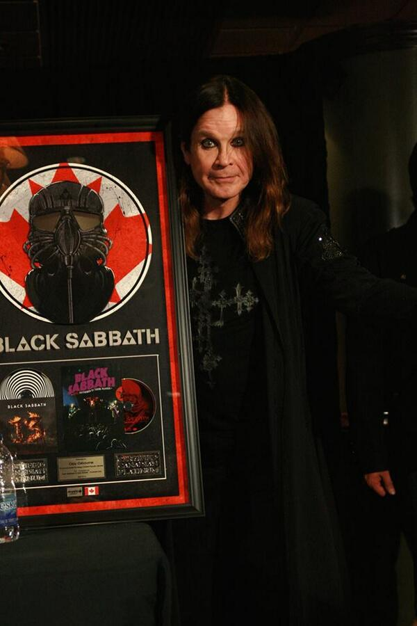 Black Sabbath 50: Legado - Página 3 Abril110