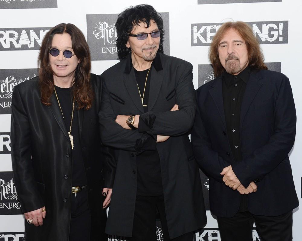 Black Sabbath: The End (2014-17) Black-31