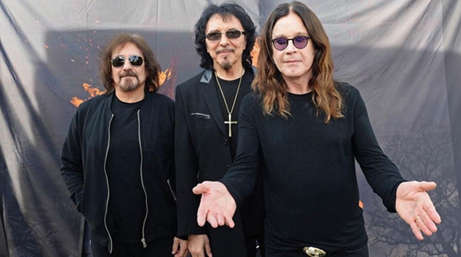Black Sabbath: The End (2014-17) Black-32