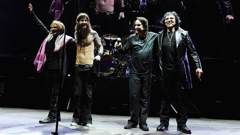Black Sabbath: The End (2014-17) Black-33