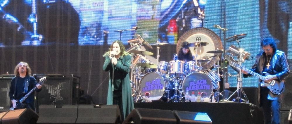 Black Sabbath: The End (2014-17) Black-37